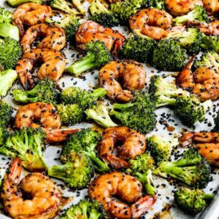 Sriracha-Spiced Shrimp and Broccoli Sheet Pan Meal Recipe