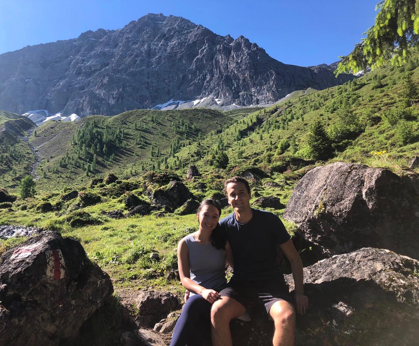 Afbeelding met berg, buiten, lucht, rots  Automatisch gegenereerde beschrijving