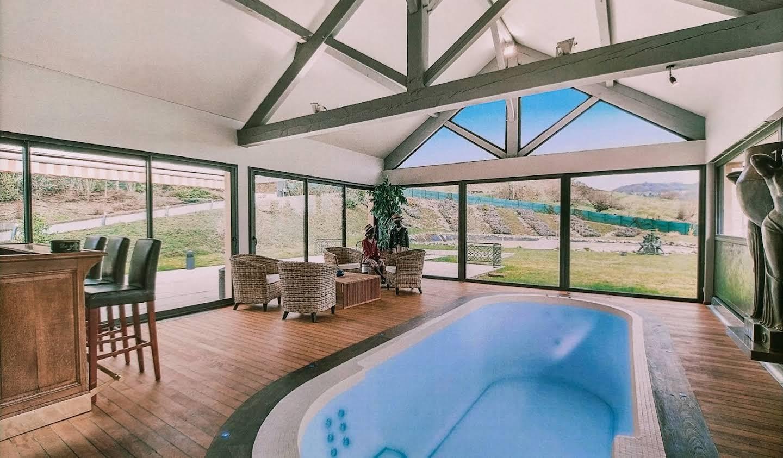 Maison avec piscine et terrasse Chavanod