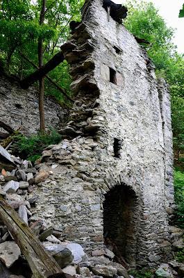 Ruderi di vecchia casa rurale di benny48