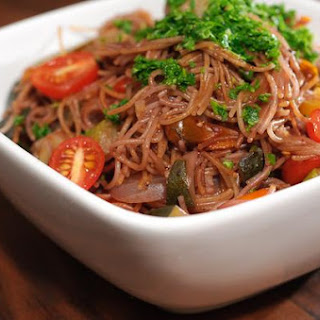 Peppery Absorption-Cooked Red-Wine Capellini