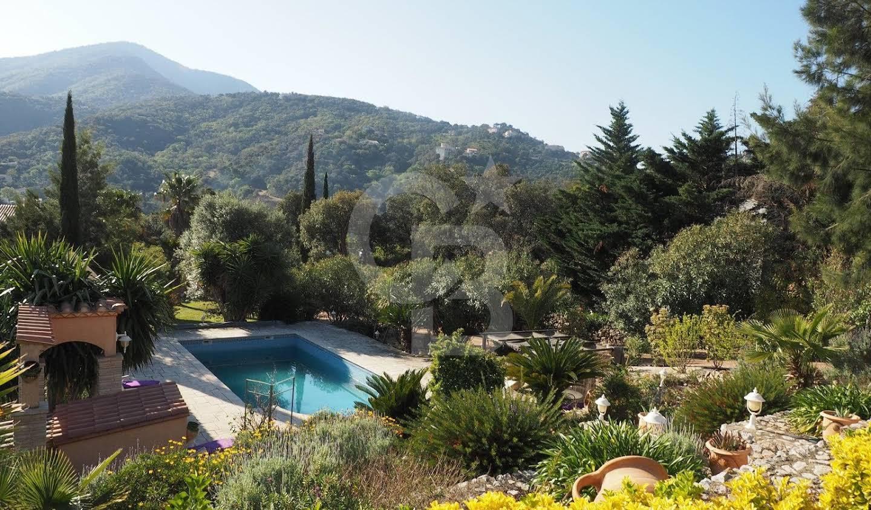 Villa avec piscine et terrasse Le Boulou