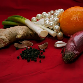 My favorite spices by Mănăilă TeoDora - Food & Drink Ingredients ( red, ginger, garlic, pearls, food, pepper, red onion )