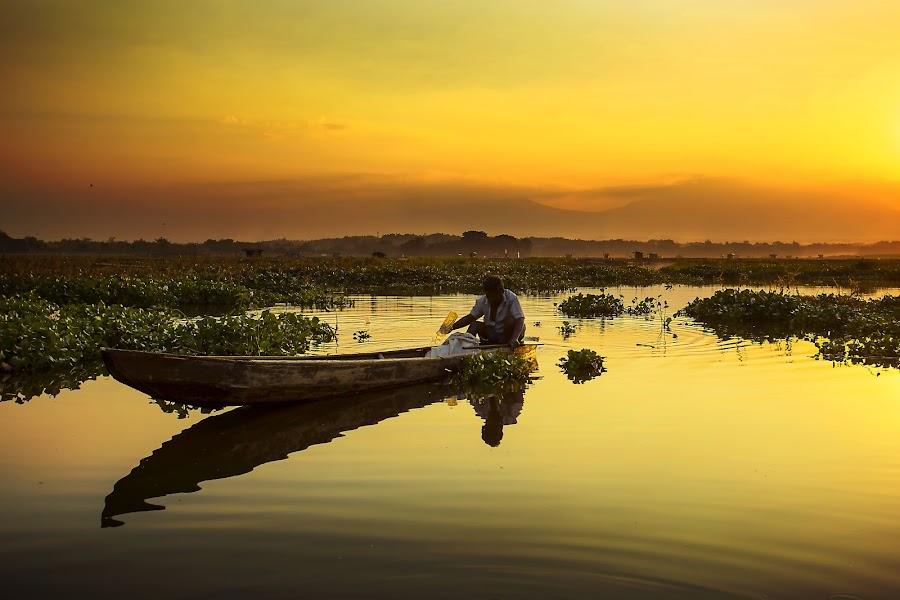 Back To Home by Muhammad Yoserizal - Transportation Boats