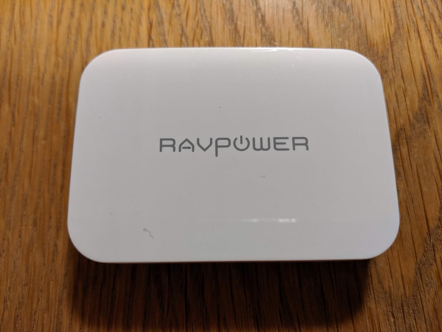 RAVPOWER RP-PC104の正面