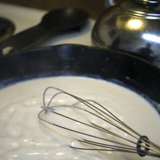 Southern White Gravy, It's all About the Bacon Grease