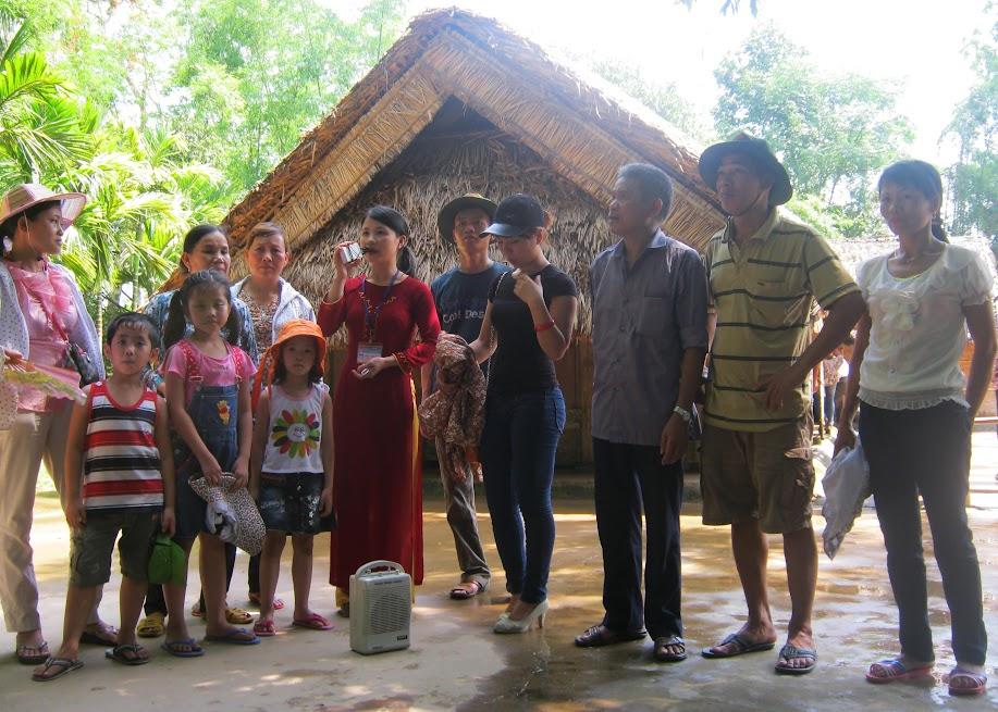 Rất đông người dân về thăm quê Bác trong ngày Quốc khánh