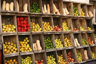 Photo: Hedelmiä ja vihanneksiakin oli tarjolla