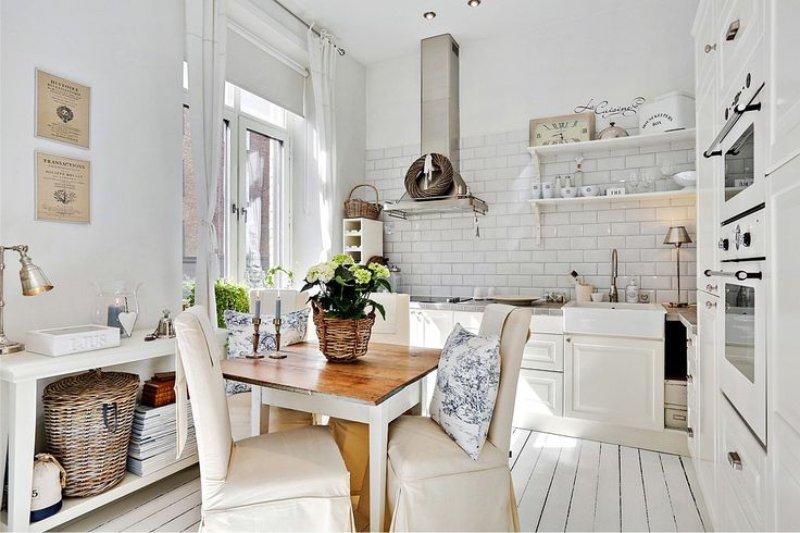 Белая-кухня-Лидинго-в-интерьере-в-стиле-прованс.jpg