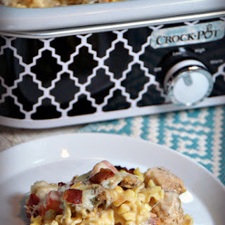 Crock Pot Chicken Bacon Ranch Pizza Casserole.