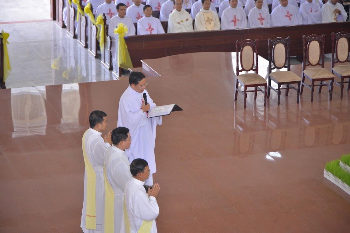 Thánh Lễ Truyền Chức Linh Mục Giáo Phận Phú Cường : Là Kitô Khác Chứ Không Phải Khác Kitô - Ảnh minh hoạ 7