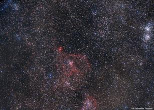 Photo: Mgławica serce a pod spodem kawałek mgławicy dusza, w prawym górnym rogu kawałek podwójnej gromady w Perseuszu.  Zdjęcie robione Canonem 600D z podpiętym  obiektywem Pentacon 135mm