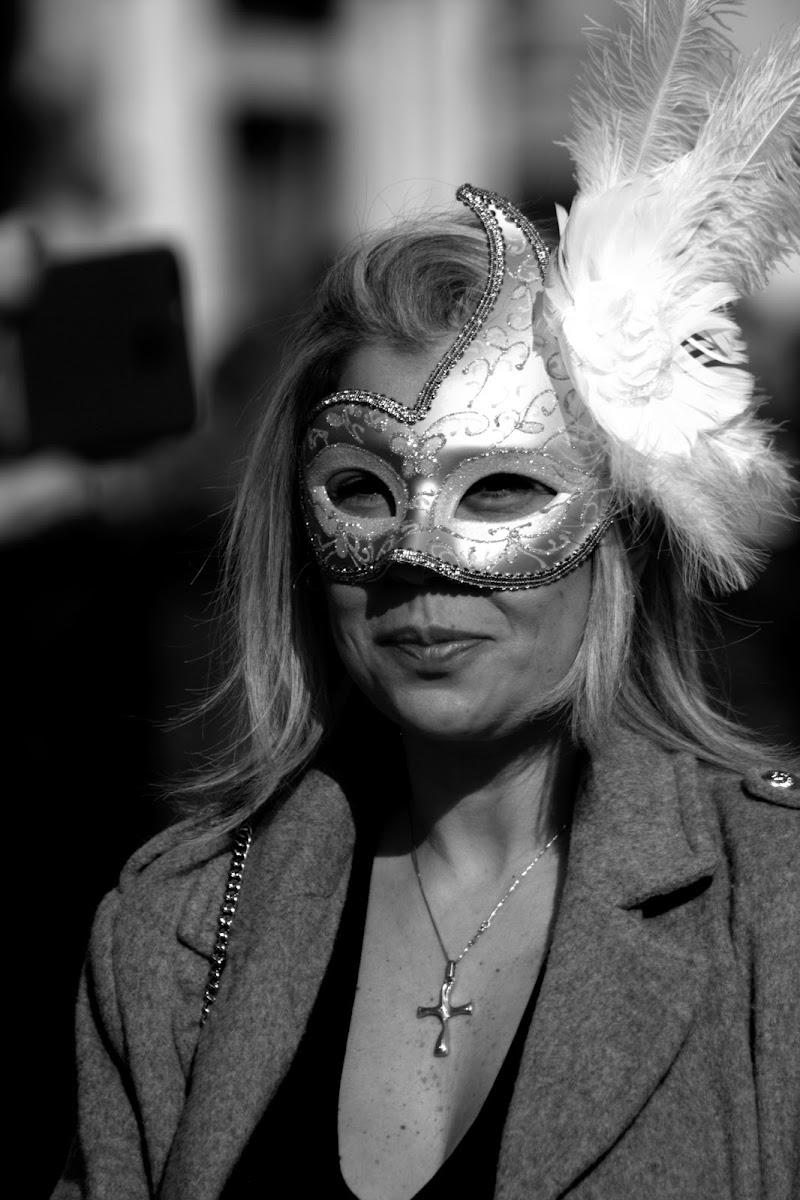 Timidezza oltre le maschere  di nicola994agazzi