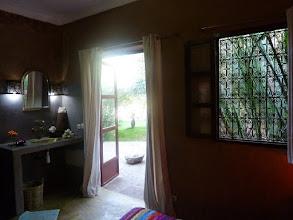 Photo: Suite Taupe & Ficelle n°1 accès jardin piscine