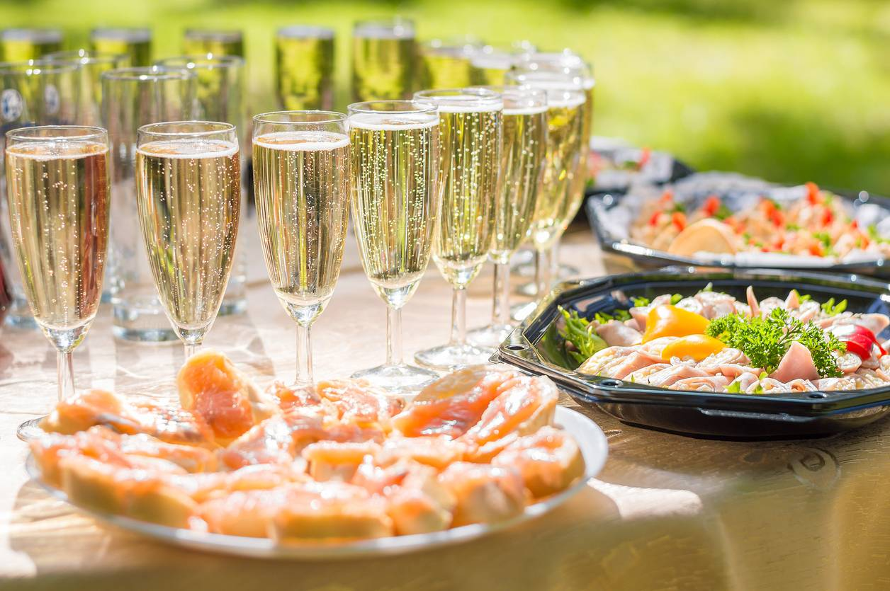 mariage buffet verre champagne cristal