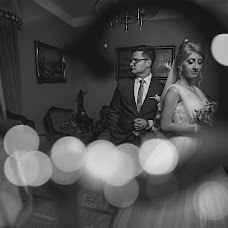 Wedding photographer Vladut Tiut (tiutvladut). Photo of 02.12.2017