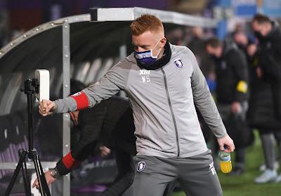 """28 jaar en hoofdtrainer bij Beerschot: """"Vergeet niet dat ik al zeven jaar actief ben in het profvoetbal"""""""
