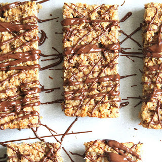 Peanut Butter and Banana Protein Bars [Vegan].