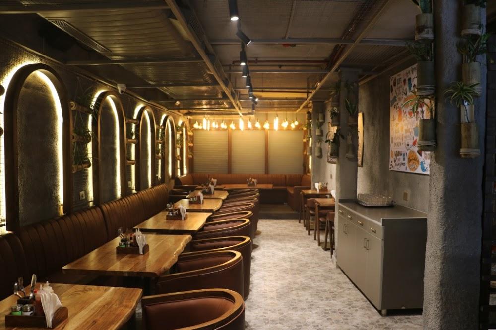 embassy-restaurant-hudson-lane_3