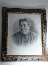 Photo: Su madre, Antonia García (Cuadro del Museo)