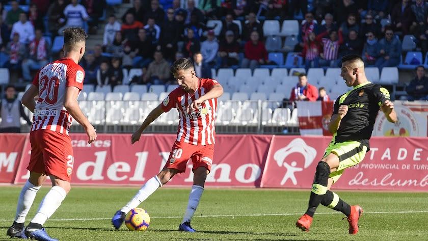 El Almería no gana en casa desde el partido ante el Mallorca con goles de Juan Carlos y Álvaro.
