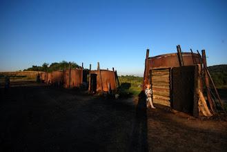Photo: mieliśmy okazję zobaczyć retorty na każdym etapie - puste, pełne drewna i pełne powstałego węgla drzewnego :D