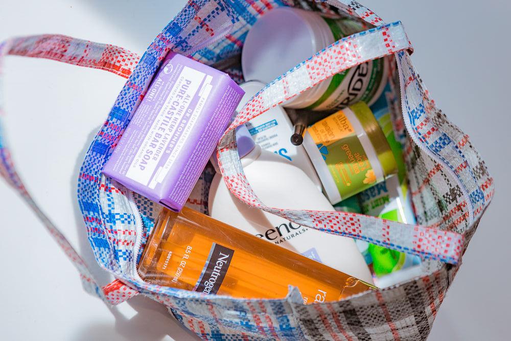 """Một số mỹ phẩm chất lượng """"đỉnh cao"""" lại không được hãng ưu ái đầu tư packaging"""