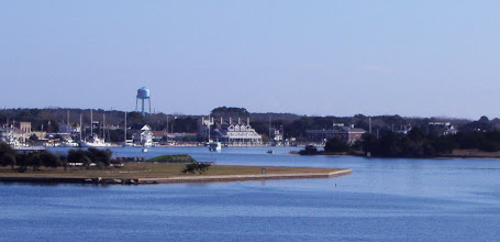 Photo: Winter Beaufort NC - few boats at town dock - brick building on the right side is the old post office, now town hall.