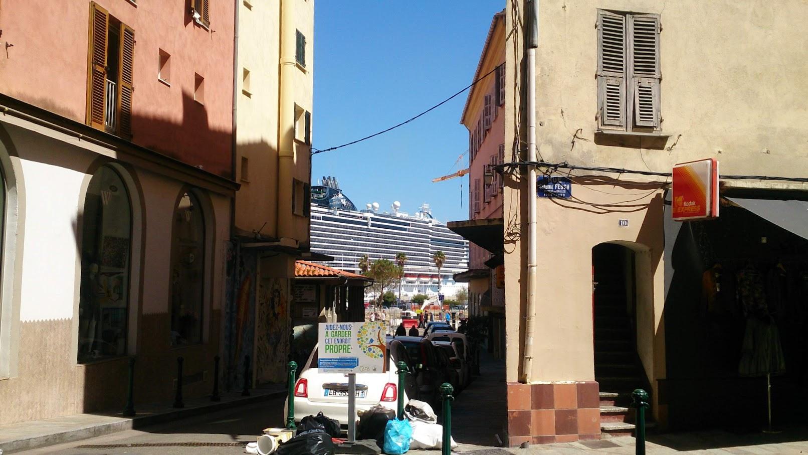 Италия точечно (Генуя, Специя-Чинкве Терре, Тарквиния, Тускания) и по пути Корсика (Аяччо), апрель 2019