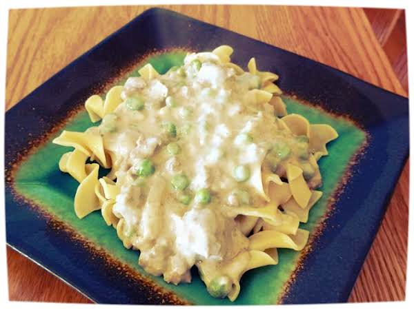 Creamy Burger & Peas Over Buttered Noodles