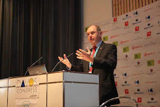 "Photo: ""Communicating Science & Innovations"" Panel - 2012: Hans Kunz - presenting"