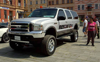 Ford Excursion Rent Karlovarský kraj