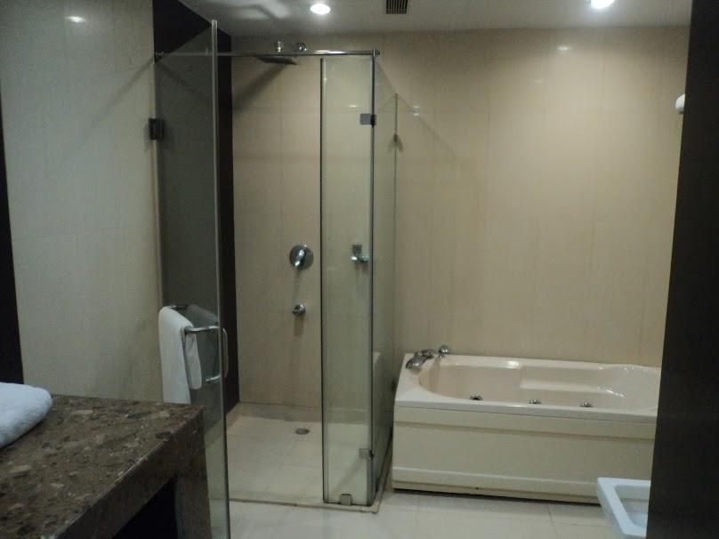 Prysznic bez brodzika oznacza w każdym wypadku podniesienie standardu łazienki.
