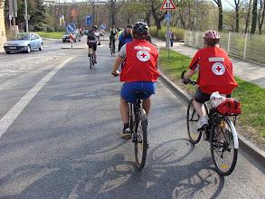 Photo: Celou cestu nás doprovázela také hlídka Červeného Kříže  Autor: Sylva Švihelová