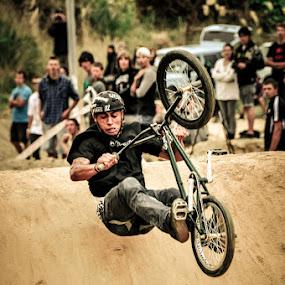 Crash Control by Graeme Carlisle - Sports & Fitness Cycling ( bike, bmx, crash )