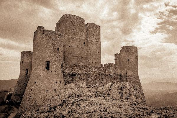 Ladyhawke Castle di Andrea Calò