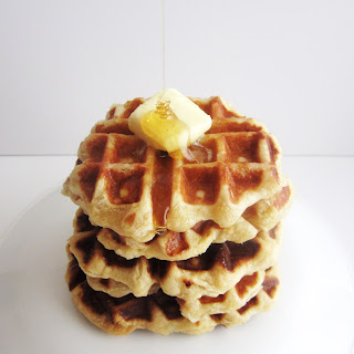 The Most Beautiful & Delicious Yeast Waffles + Pearl Sugar!!