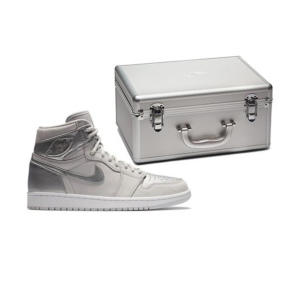 Vì Nike Air Jordan 1 được làm hoàn toàn từ da nên thời tiết lạnh thì cực kỳ ấm áp