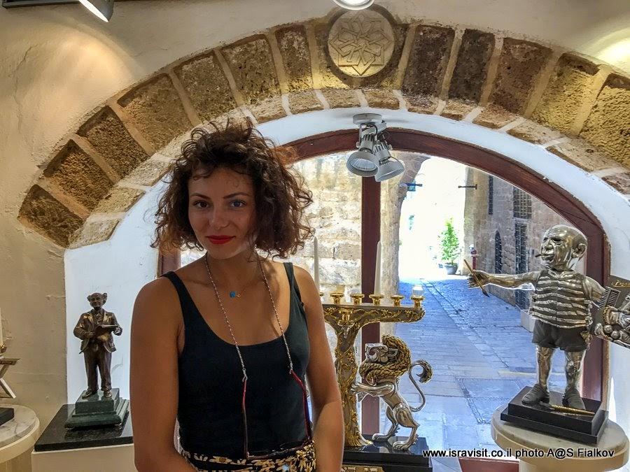 В художественной галерее Франка Майслера в Яффо. Экскурсия в Яффа, Израиль.
