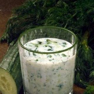 Gurken-Kräuter-Milch