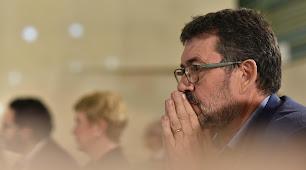 Rafael Esteban, portavoz del grupo muncipal de IU, durante un pleno