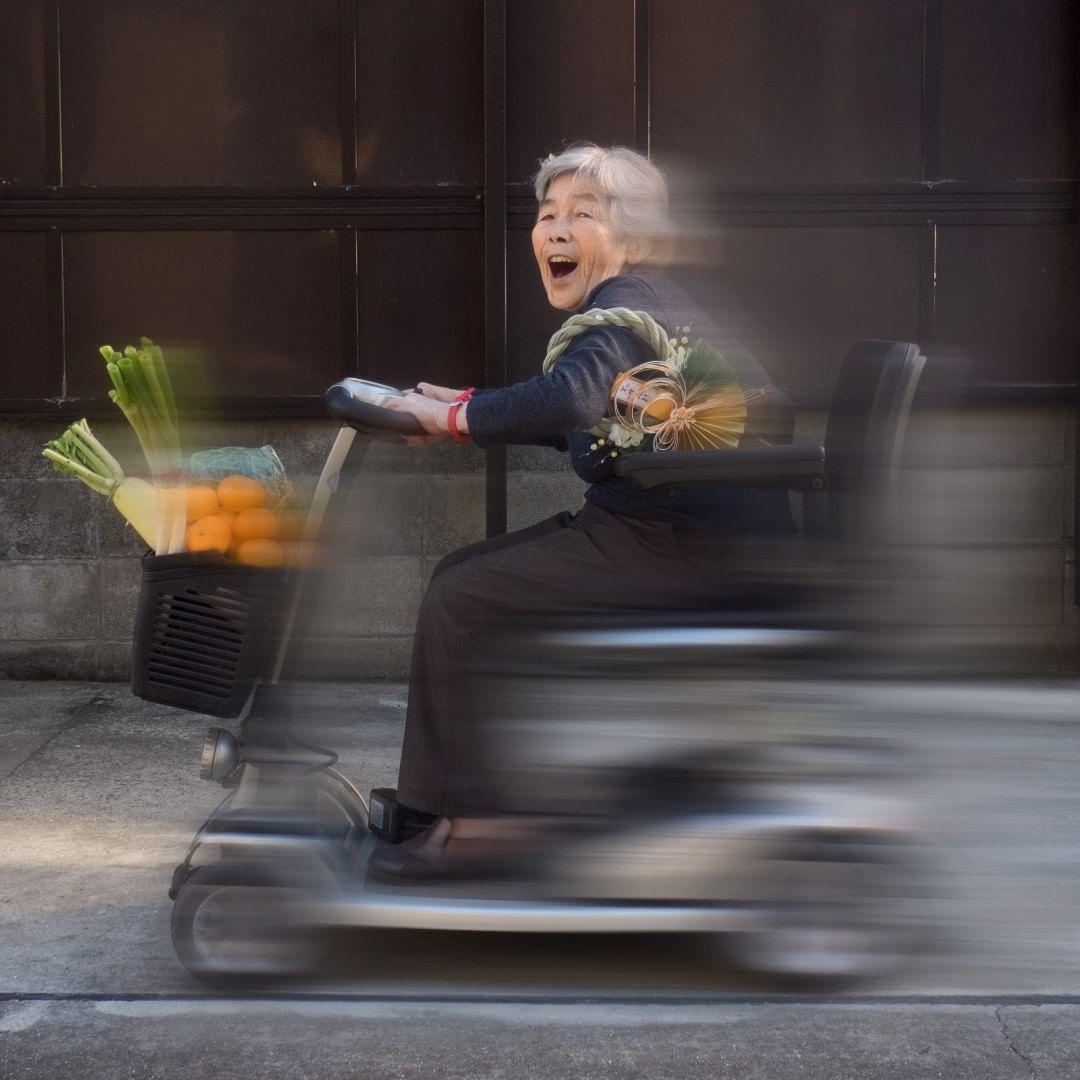 """Từ bỏ cuộc sống buồn chán, cụ bà Nhật tìm thấy niềm đam mê lúc 72 tuổi rồi thành ngôi sao MXH nhờ bộ ảnh """"sống ảo"""" cực chất - Ảnh 13."""