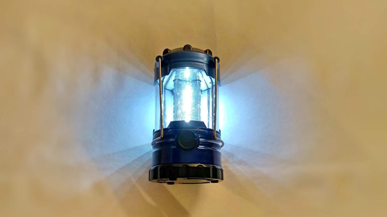 Lampa pentru cort camping