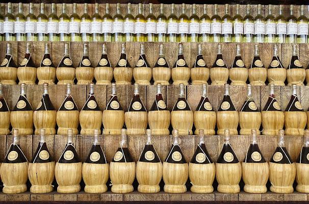 Fiaschi e bottiglie di dan