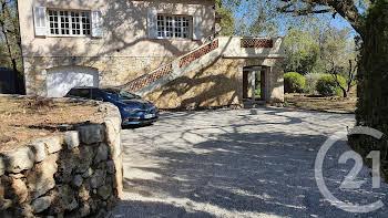 Villa 7 pièces 222 m2