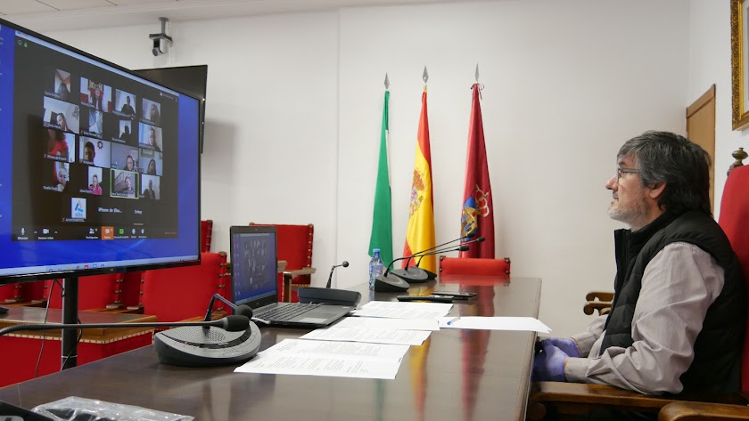 Manuel Cortés durante una videoconferencia.