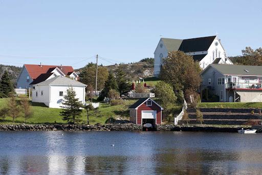 avalon-peninsula-newfoundland-coastal-town.jpg - A picturesque town on the coast of Avalon Peninsula in Newfoundland.