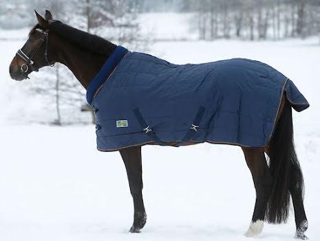 SVEA Stalltäcke med fleece krage - 150g fyllning blank insida