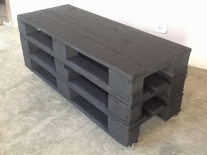 Photo: Rack com 3 paletes EUROS em preto fosco. http://madeirausada.com.br/