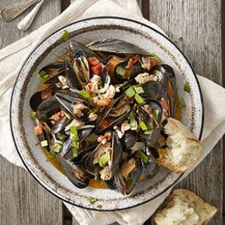 Mussels with Italian Turkey Sausage, Tomato & Basil